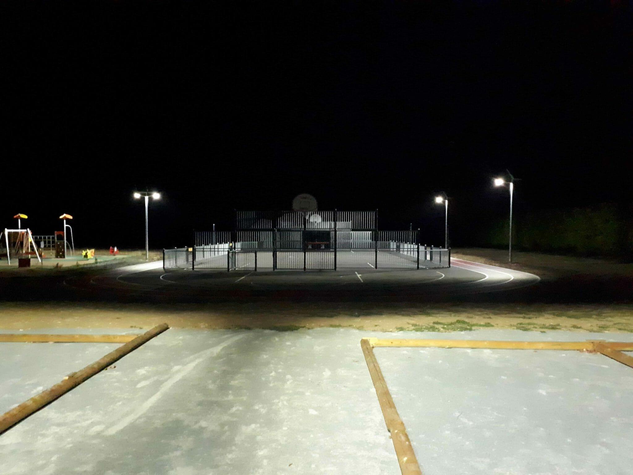 Réalisation d'un éclairage solaire sur le city park de la commune de St Pierre d'Amilly
